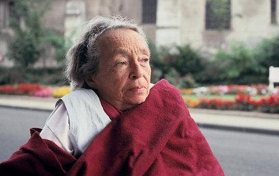 מרגריט דיראס בזיקנתה. כתבה על נעוריה מנקודת מבט בוגרת (צילום:Gettyimages) (צילום:Gettyimages)