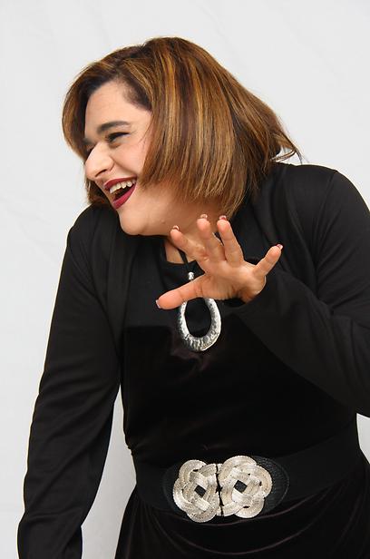 """""""במופע אני מדברת על ההתמודדות שלי עם המשקל"""" (צילום: מאיה מוסנאים וובר) (צילום: מאיה מוסנאים וובר)"""
