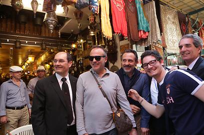 פראנדלי וקבריני גרמו לתיירים האיטלקים להתרגש (צילום: אלכס קולומויסקי)