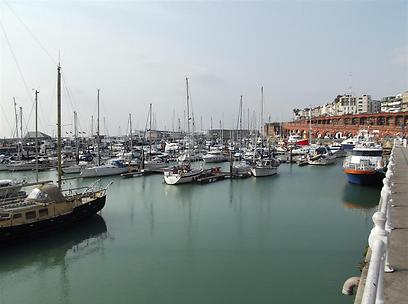 מי שמע, מי ידע? הנמל בעיר רמסגייט (צילום: אדיק קפצן) (צילום: אדיק קפצן)