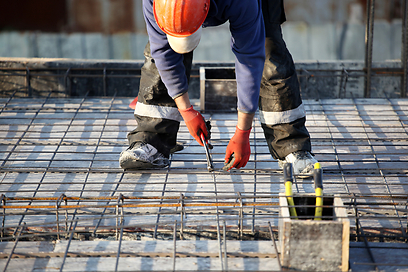 הגבלת שכר הטרחה - חדשות טובות לרוכשי דירות מקבלן? (צילום: shutterstock) (צילום: shutterstock)