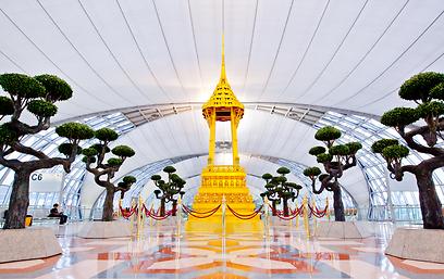 """אחד המצולמים בעולם. שדה""""ת סוואנאבהומי בבנגקוק  (צילום: shutterstock) (צילום: shutterstock)"""