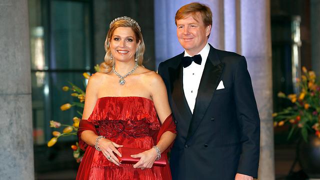 הדור הבא יהיה גבוה עוד יותר. מלך הולנד וילם אלכסנדר ורעייתו מקסימה (צילום: Gettyimages) (צילום: Gettyimages)