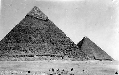 """מסע אל הפרמידות במצרים (צילום: באדיבות ארכיון ביה""""ס הראלי העברי בחיפה) (צילום: באדיבות ארכיון ביה"""