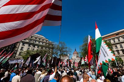 ההפגנה הלאומנית עם מנהיגי ג'וביק בשבת (צילום: EPA) (צילום: EPA)