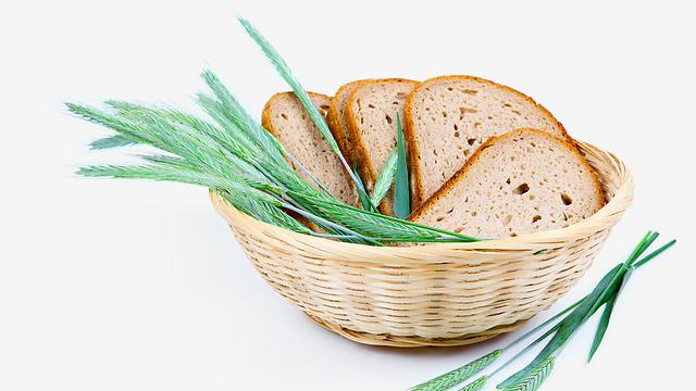 לחם שיפון. עובר פחות עיבוד בהשוואה לקמח חט (צילום: shutterstock) (צילום: shutterstock)