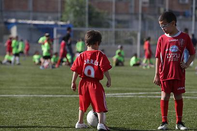 אחד מהם אולי יגדל להיות פרננדו טורס (צילום: אלכס קולומויסקי) (צילום: אלכס קולומויסקי)