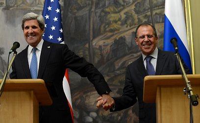 מדברים בשפה אחת, אבל מתכוונים לדברים שונים לגמרי. קרי ולברוב (צילום: AFP) (צילום: AFP)