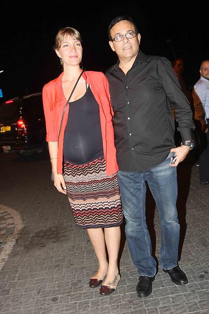 הורים טריים. רוני מאנה וג'ני צ'רוואני (צילום: ענת מוסברג) (צילום: ענת מוסברג)