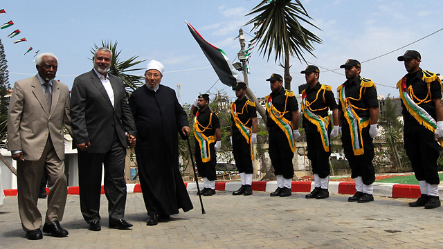 ХАМАС встречал шейха как самого дорогого гостя. Фото: AFP