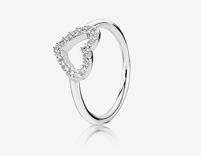 טבעת ב-245 שקל ברשת פנדורה. צילום: יוהן פטרסון (צילום: אלכס קורצ'נקו) (צילום: אלכס קורצ'נקו)