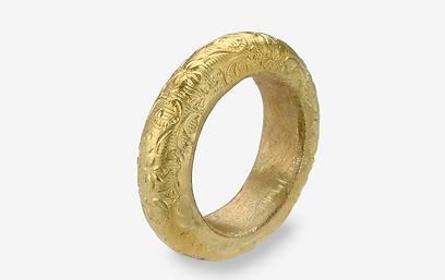 טבעת נישואין של המעצבת טובי פרבר. 4,900 שקל (צילום: עמית גושר) (צילום: עמית גושר)