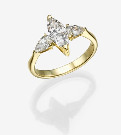 טבעת אירוסין של המעצבת רונית זילברשטיין. 19,425 שקל (צילום: אלכס קורצ'נקו) (צילום: אלכס קורצ'נקו)