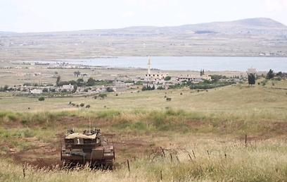טנק ישראלי צופה אל הגולן הסורי, היום  (צילום: מוטי קמחי) (צילום: מוטי קמחי)