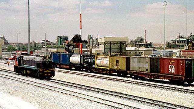 רכבת משא, ארכיון. מכלי האמוניה יועברו בכבישים (צילום: ישראל יוסף) (צילום: ישראל יוסף)