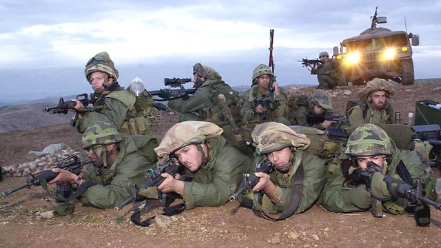 Nahal Brigade troops in the Jordan Valley (Photo: Elad Gershgoren)