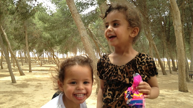 אסינאד ורימאס. בנותיה של עביר דנדיס שנרצחו באל-פורעה (צילום משפחתי) (צילום משפחתי)