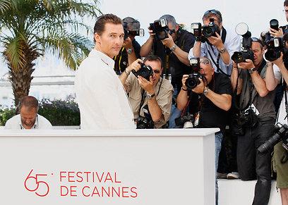 מת'יו מקונוהיי בפסטיבל קאן אשתקד. עם חליפה לשם שינוי (צילום: Gettyimages) (צילום: Gettyimages)