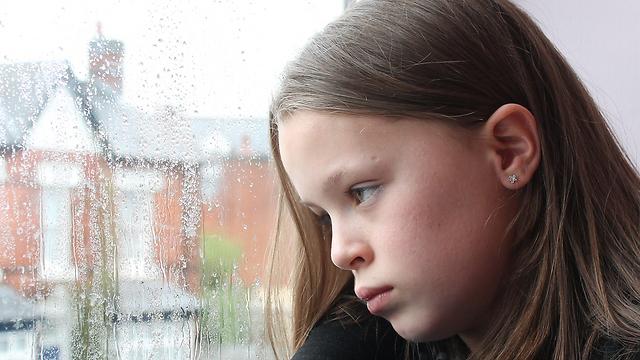 """""""התביישתי לספר ולשתף מה עובר עליי והרגשתי בודדה"""" (צילום: shutterstock) (צילום: shutterstock)"""