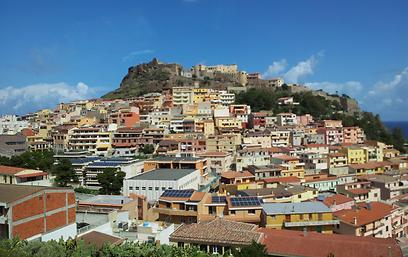הכפר קאסטלסארדו - כפר מימי הביניים - בדרך לאלגרו (צילום:  רועי קייס) (צילום:  רועי קייס)