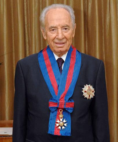"""2008. מקבל תואר אבירות ממלכת בריטניה (צילום: עמוס בן גרשום לע""""מ) (צילום: עמוס בן גרשום לע"""