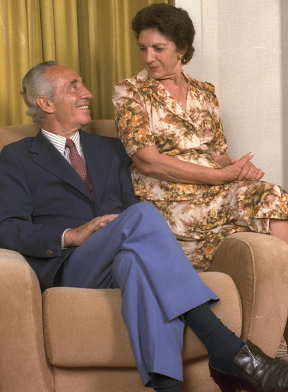 """עם רעייתו סוניה פרס (צילום: נתי הרניק,לע""""מ) (צילום: נתי הרניק,לע"""