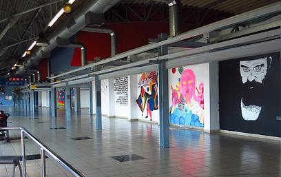זנות ופליטים, גלריות ואמנים. התחנה המרכזית בתל אביב (צילום: מתי עלה)