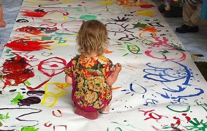 גם לילדים: סדנת ציור עם הסופר והמאייר הרווה טולה (צילום: דינה גונה)
