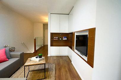 בקומה השנייה פינת משפחה לזמן איכות משותף (צילום: איתן יורמן) (צילום: איתן יורמן)
