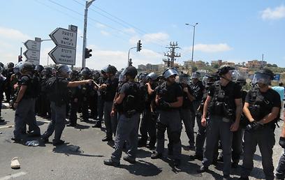 כוחות המשטרה. לא לקחו סיכון (צילום: חסן שעלאן)
