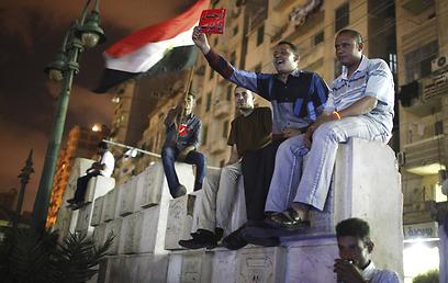 מחאה מתפשטת. מתנגדי מורסי (צילום: רויטרס) (צילום: רויטרס)