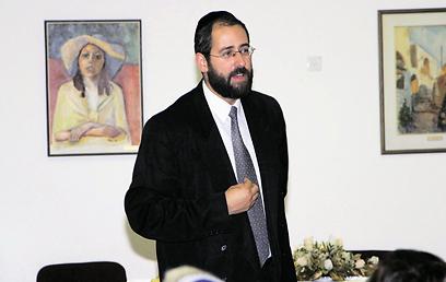 דורש השארת זכות הבחירה לו ולאביו, בוועדה הבוחרת את הרבנים הראשיים. הרב דוד לאו (באדיבות עיריית מודיעין)