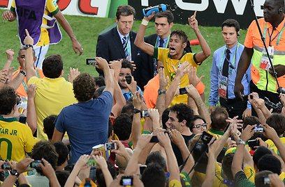 ניימאר. השחקן המצטיין של הטורניר (צילום: AFP) (צילום: AFP)