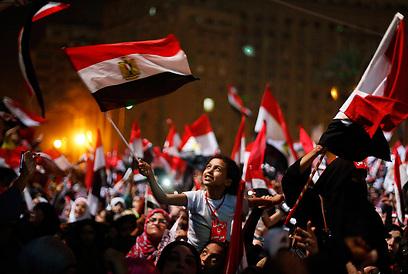 המהפכה הצעירה בקהיר (צילום: רויטרס)