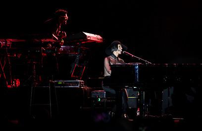 קיז על הפסנתר. מוזיקה, אהבה וכישרון  (צילום: אבישג שאר ישוב) (צילום: אבישג שאר ישוב)