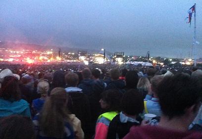 קהל מול הבמה המרכזית. לא משנה אם ללהקה קטנה או גדולה (צילום: אסתר רדא) (צילום: אסתר רדא)