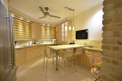 המטבח אחרי השיפוץ (צילום: אורן טייטל) (צילום: אורן טייטל)