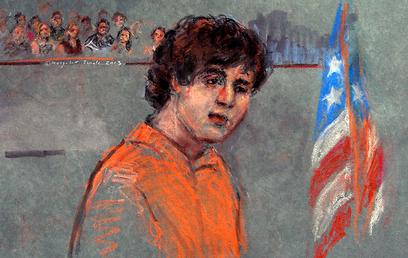 צרנייב, כפי שצויר בדיון הראשון, שבו טען לחפותו (צילום: AP) (צילום: AP)