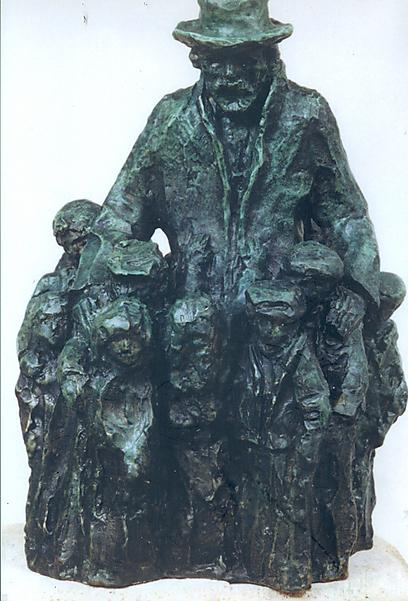 פסל יאנוש קורצ'אק - אחד מני רבים המנציחים את המחנך הנערץ ברחבי העולם   (צילום: יצחק בלפר) (צילום: יצחק בלפר)