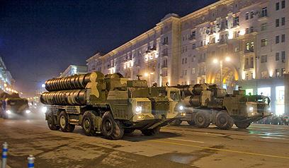 גם גאורגיה צריכה להיזהר. כלי רכב של צבא רוסיה, ארכיון (צילום: AP) (צילום: AP)
