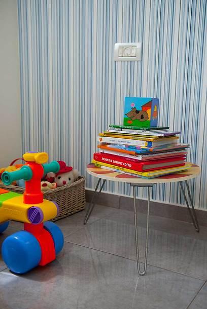 צבעוניות אופטימית בחדר התינוק (צילום: גלית דויטש-דביר) (צילום: גלית דויטש-דביר)