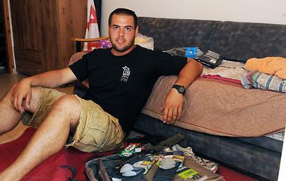 """""""הצבא מספק ציוד, אבל לקחתי עוד גרביים"""". יאיר סולומון (צילום: אביהו שפירא) (צילום: אביהו שפירא)"""
