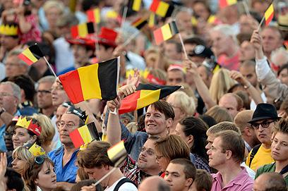 הכתרת המלך החדש נערכת ביום העצמאות של בלגיה (צילום: AP) (צילום: AP)