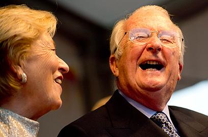 יחסים מעורערים. אלברט השני ורעייתו המלכה פאולה (צילום: AP) (צילום: AP)