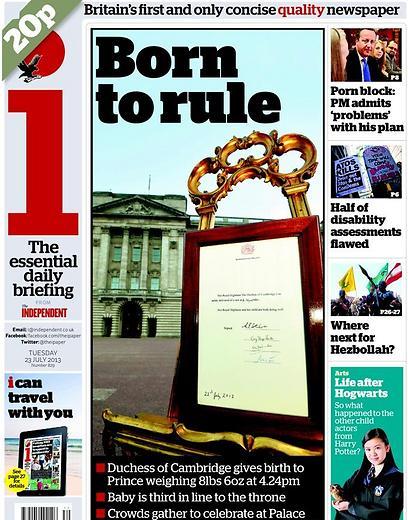 """""""האינדיפנדנט"""" במהדורה חגיגית עם הכותרת """"נולד למלוך"""". בתמונה מופיע השלט שנתלה מחוץ לארמון עם ההודעה על הולדת יורש העצר, השלישי בתור לכתר"""