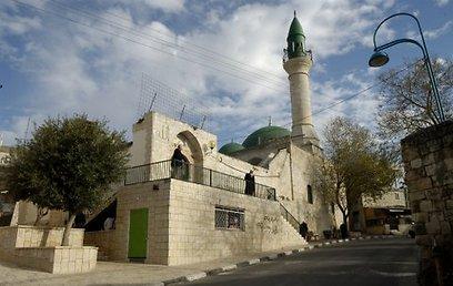 פתוח לביקורים. המסגד הגדול בתרשיחא (צילום: עדי אדר) (צילום: עדי אדר)