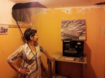 הסוד של הקיבוץ. עירית ישראלי בתחנת השידור בגבת (צילום: זיו ריינשטיין)