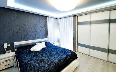 המשכיות של הקו העיצובי גם בחדר השינה (צילום: אופיר הראל) (צילום: אופיר הראל)
