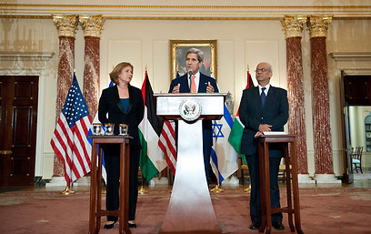 Livni, Kerry, Ereket (Photo: AFP)