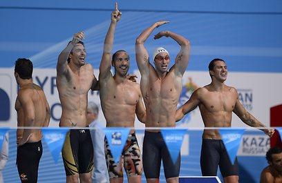 נבחרת צרפת חוגגת (צילום: AFP) (צילום: AFP)